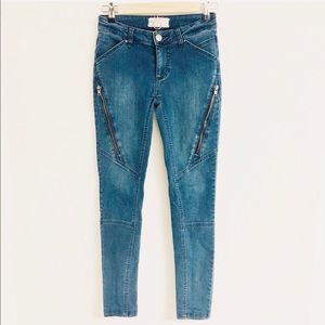 Free People Skinny Diagonal Stitch Zipper Jeans